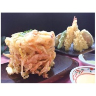 Persimmon deep frying and assorted tempura [Premium gift]