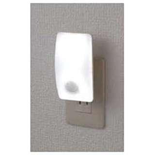 LEDセンサー付ライト(コンセント差込タイプ) PM-L230-WH