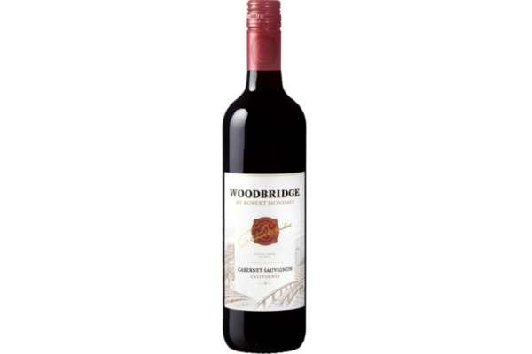 ワインのおすすめ15選 アメリカ「ロバート・モンダヴィ ウッドブリッジ カベルネ・ソーヴィニヨン」(750ml)