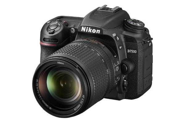 ニコン「D7500」18-140 VR レンズキット