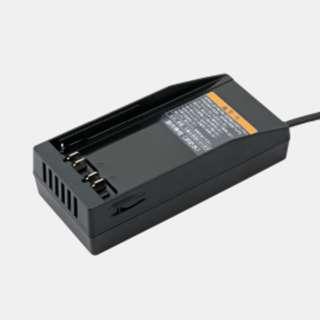 ヤマハ YPJ-R/YPJ-C用 バッテリー充電器(ブラック) X0N-8210C-00