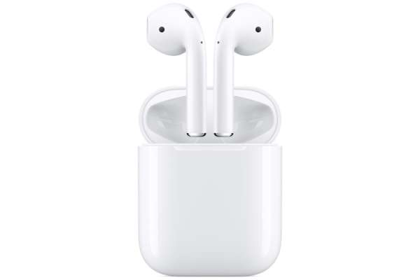 Apple「AirPods with Charging Case」MV7N2J/A
