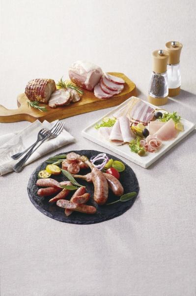 トンデンファーム北海道産豚肉使用のハム・ソーセージ詰合せF2023