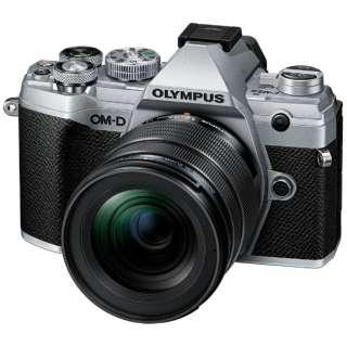 OM-D E-M5 Mark III ミラーレス一眼カメラ 12-45mm F4.0 PRO キット シルバー [ズームレンズ]