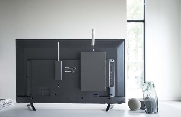 スマート テレビ裏カーペットクリーナースタンド(Cleaner Tools Rack) ブラック 4990